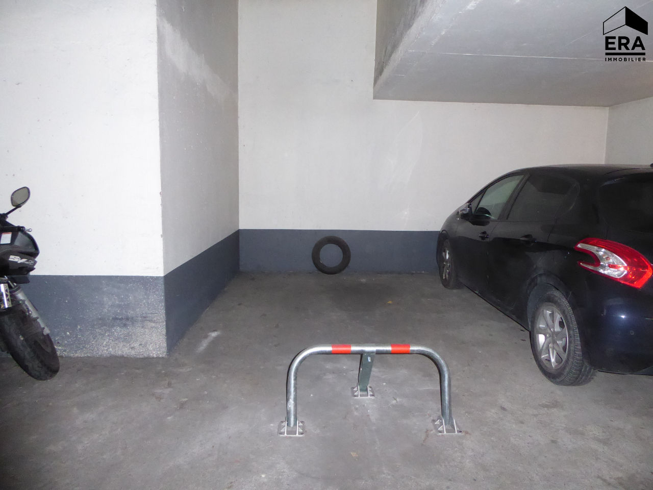 A LOUER PLACE DE PARKING COURBEVOIE-BECON